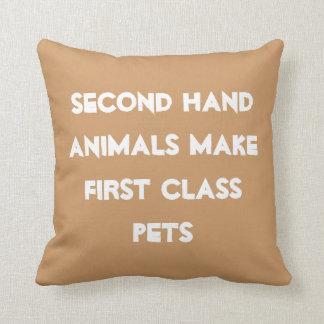 Animales de la segunda mano cojines
