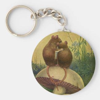 Animales del vintage, amor y ratones de campo del llavero redondo tipo pin