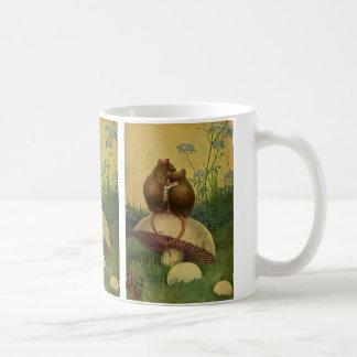 Animales del vintage, amor y ratones de campo del taza clásica