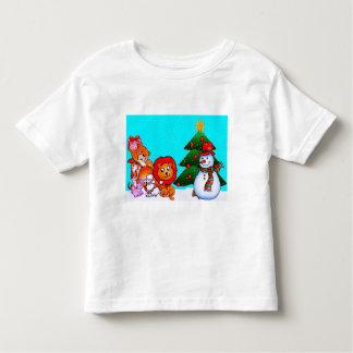 Animales preciosos en la camiseta del navidad