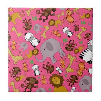 Animales rosados del safari de selva tejas
