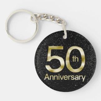 Aniversario atractivo del oro 50.o llavero redondo acrílico a una cara