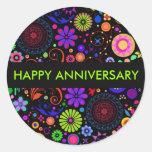 Aniversario colorido etiquetas redondas