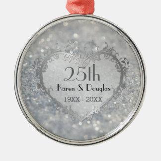 Aniversario de boda del corazón de plata de la adorno navideño redondo de metal