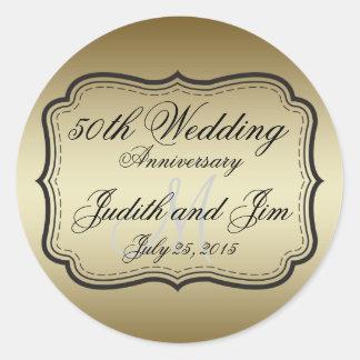 Aniversario de boda del oro 50.o pegatina redonda