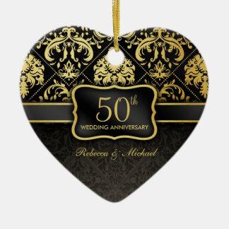 Aniversario de boda elegante del negro y del oro adorno navideño de cerámica en forma de corazón