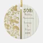 Aniversario de boda floral de la elegancia 50.a adorno navideño redondo de cerámica