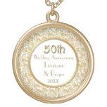 Aniversario de boda floral de la elegancia 50.a colgante redondo
