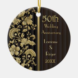 Aniversario de boda floral de la elegancia 50.a adorno redondo de cerámica