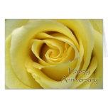 Aniversario de boda, fotografía macra del rosa tarjeta de felicitación