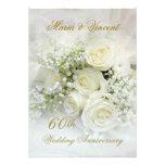 Aniversario de boda magnífico de los rosas blancos
