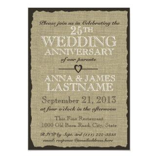 Aniversario de boda rústico de la arpillera invitación 12,7 x 17,8 cm