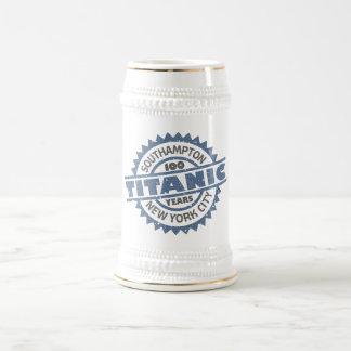 Aniversario de hundimiento titánico de 100 años jarra de cerveza