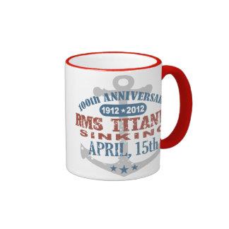 Aniversario de hundimiento titánico de 100 años taza de dos colores
