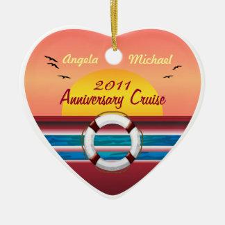 Aniversario de la travesía - plantilla de la adorno navideño de cerámica en forma de corazón