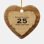 Aniversario de madera del poema del amor del adornos de navidad