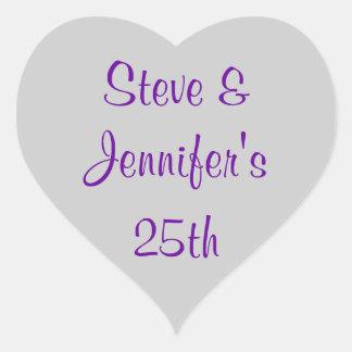 Aniversario de plata 25 del 25to boda de los pegatina en forma de corazón