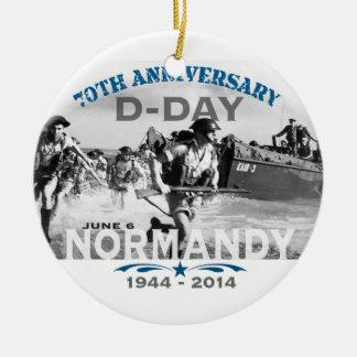 Aniversario del día D de Normandía 70.a Adorno Navideño Redondo De Cerámica
