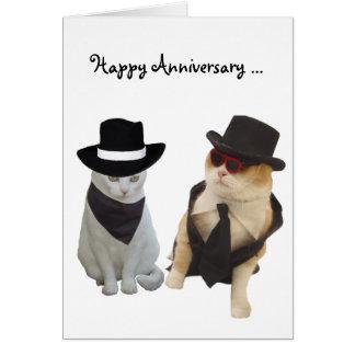 Aniversario divertido de los gatos felicitaciones
