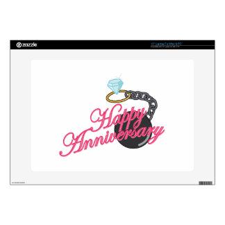 Aniversario feliz skins para 38,1cm portátil