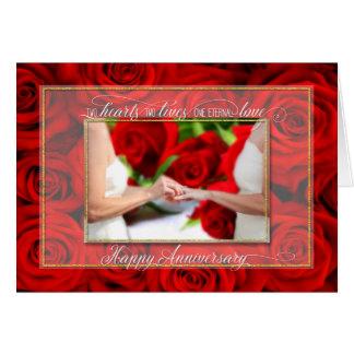 Aniversario para los pares lesbianos con los rosas tarjeta de felicitación