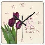 Aniversario púrpura de los tulipanes relojes de pared