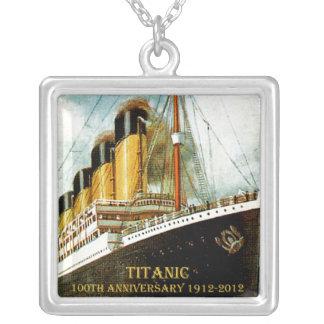 Aniversario titánico del RMS 100o Colgante Cuadrado
