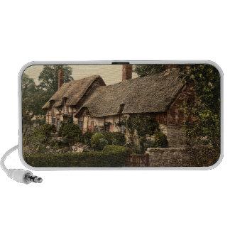 Ann Hathaway's Cottage, Stratford-on-Avon, England iPod Speaker