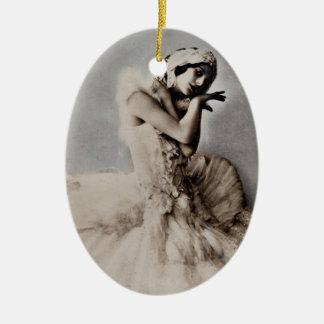 Anna Pavlova Posed en Pointe Ornament