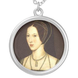 Anne Boleyn Round Necklace