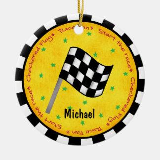 Año a cuadros del nombre de la bandera de la fan adorno navideño redondo de cerámica