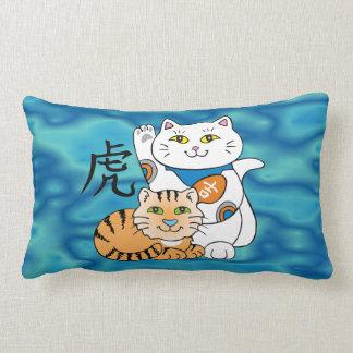Año afortunado del gato del tigre cojín