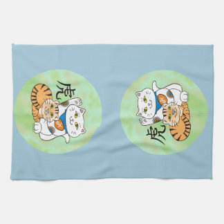 Año afortunado del gato del tigre toalla de mano