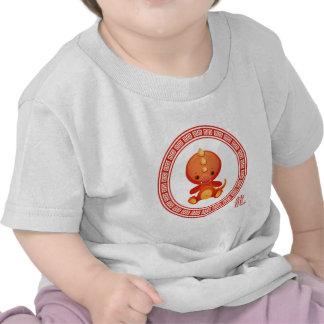 Año chino adornado del dragón camisetas