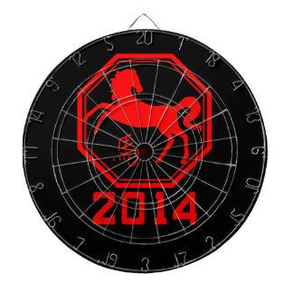 Año chino del símbolo rojo del caballo tabla dardos