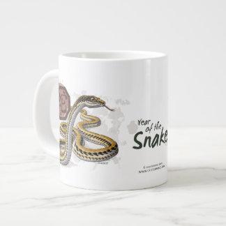 Año chino del zodiaco del arte de la serpiente taza grande