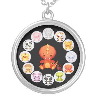 Año chino del zodiaco del collar 2012 del dragón