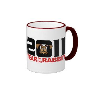 Año de 2011 chinos del regalo del conejo taza a dos colores