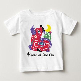 Año de la camiseta y de los regalos del buey playera