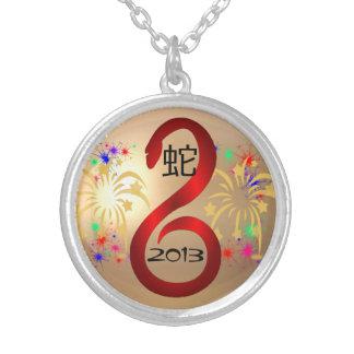 Año del collar 2013 de la serpiente