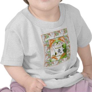 Año del conejo Neko en mandarina Camisetas