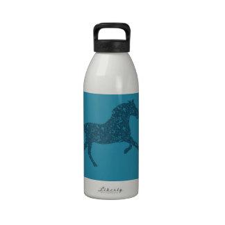 Año del diseño gráfico del caballo botella de agua