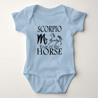 Año del escorpión de zodiaco del caballo playeras