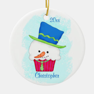 Año del nombre de la magdalena del muñeco de nieve adorno navideño redondo de cerámica