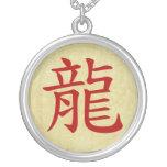 año del símbolo del chino del dragón pendientes