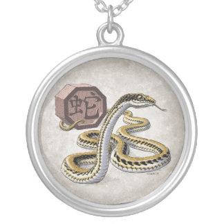 Año del zodiaco del chino de la serpiente collar