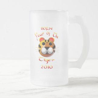 Año nacido de la taza del tigre