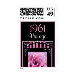 Año: Rosa del vintage de 1961 cumpleaños subió y v Franqueo