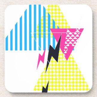 Años 80 del flash del triángulo del rayo posavasos de bebidas