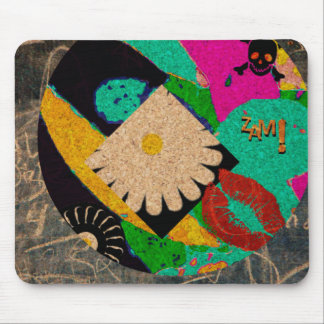 Another skull kiss mouse pad